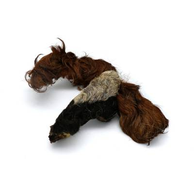 Rinderkopfhaut mit Fell (getrocknet)