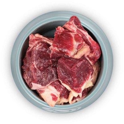 Fleischige Knochen vom Rind